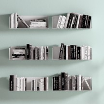 Estantes metálicos para libros